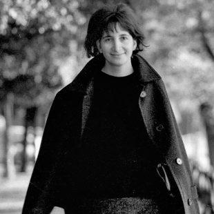 Mazzetti traza un relato autobiográfico de posguerra en el que la rabia opera como motor